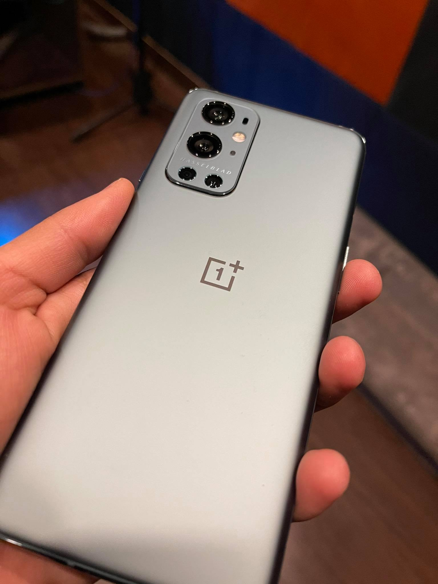 OnePlus 9, 9 Pro Review-high-end phone with quick charging 2