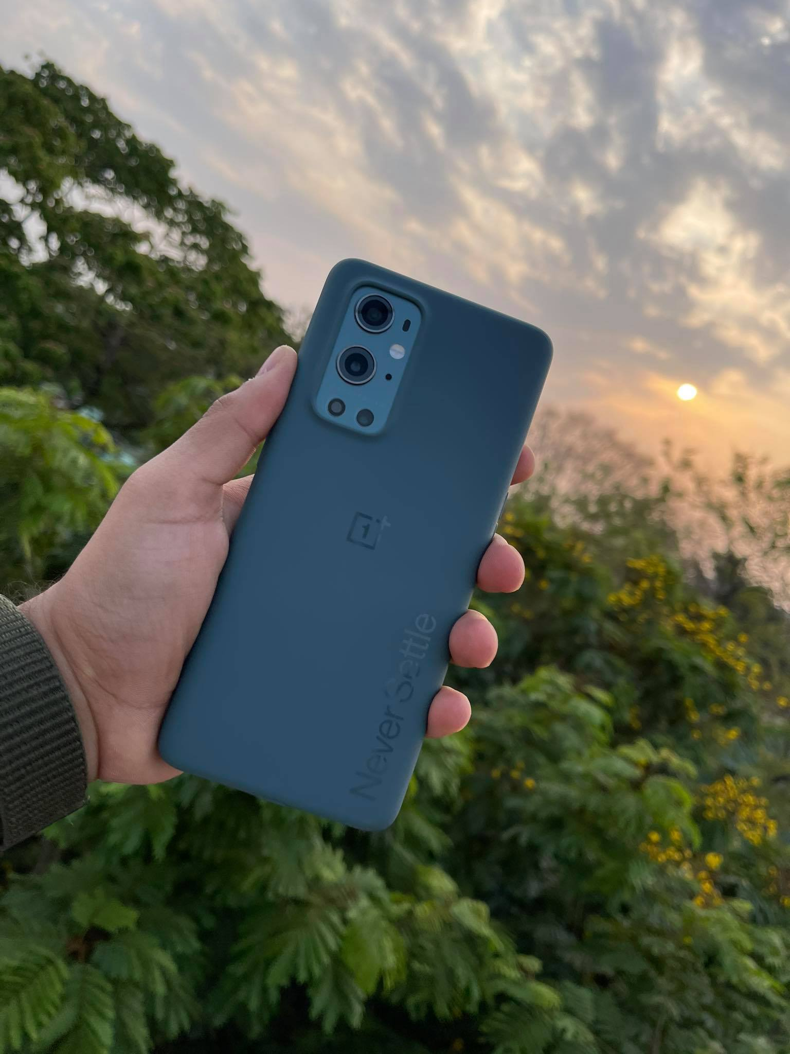 OnePlus 9, 9 Pro Review-high-end phone with quick charging 1