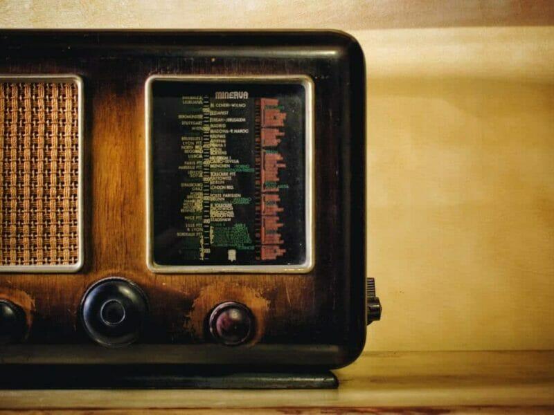 best Under Cabinet Radio