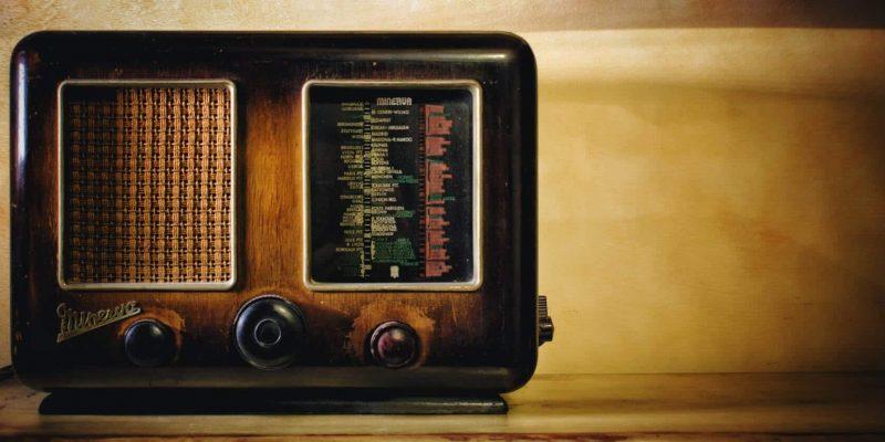 20 Best Under Cabinet Radios to buy in 2021