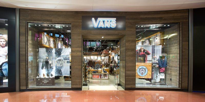Vans Black Friday 2021 Ad, Deals & Sales {upto 70% OFF}